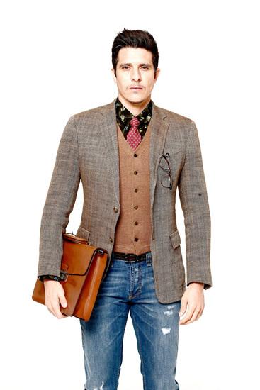 男士印花衬衫搭配西服指南