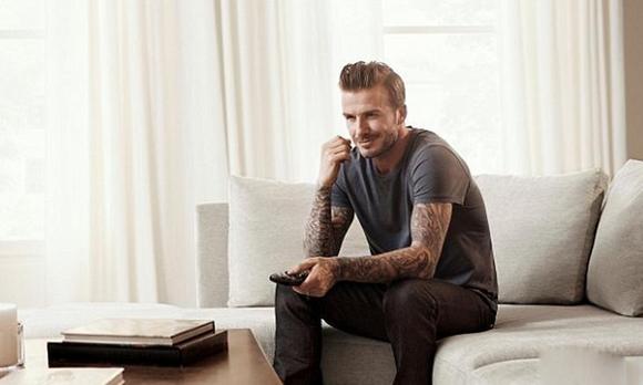 贝克汉姆大秀纹身-轻奢网