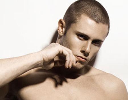 男脖子上纹什么好看-男士颈部皱纹三大成因和保养法图片