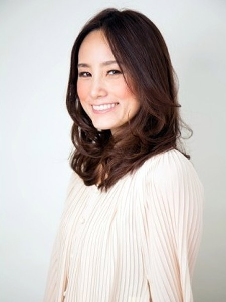 韩式慵懒中长发也很常见_发型设计