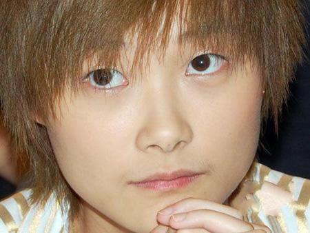 现在的李宇春是时尚界设计师们的 是美妆界炙手可热的代言人小达人图片