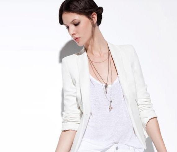 穿好白色西装变身霸道女