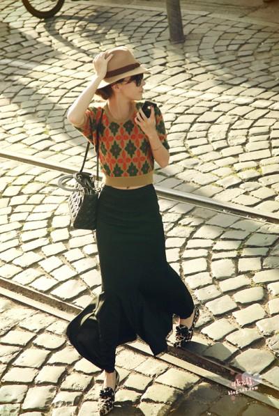 时尚英伦针织衫
