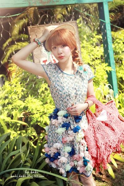 立体花朵连衣裙