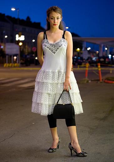 白色雪纺蛋糕连衣裙