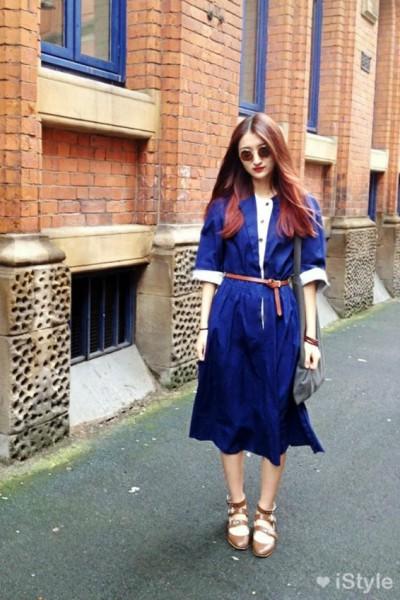 蓝色复古连衣裙