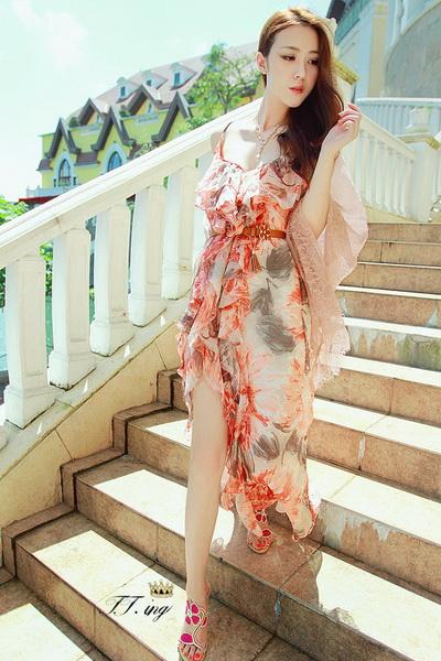 荷叶边印花裙