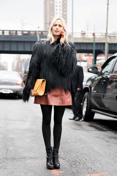 黑色皮草短外套