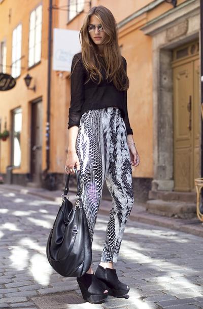 黑白花纹高腰裤