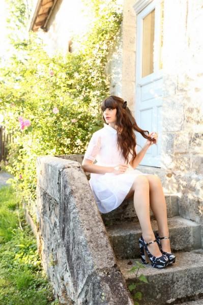 达人示范纯洁白裙
