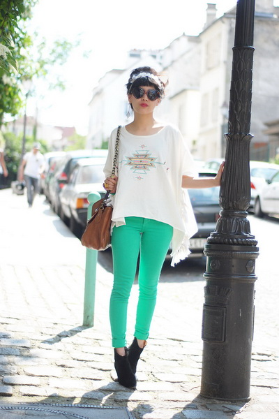 荧光绿色的铅笔裤