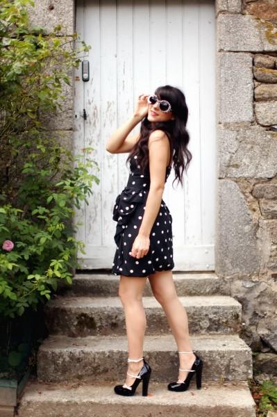 黑白波点连衣裙