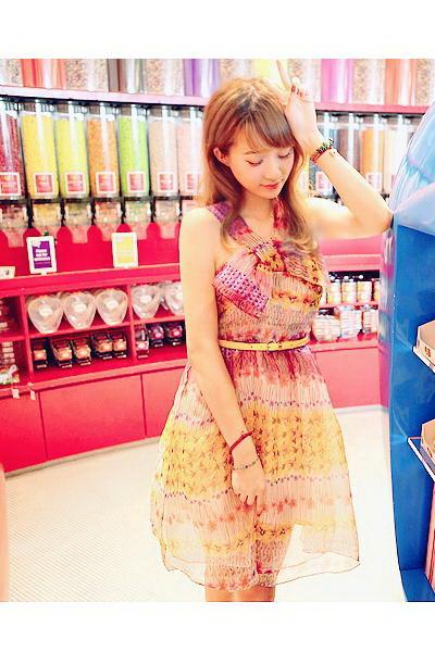 个性民族印花裙装
