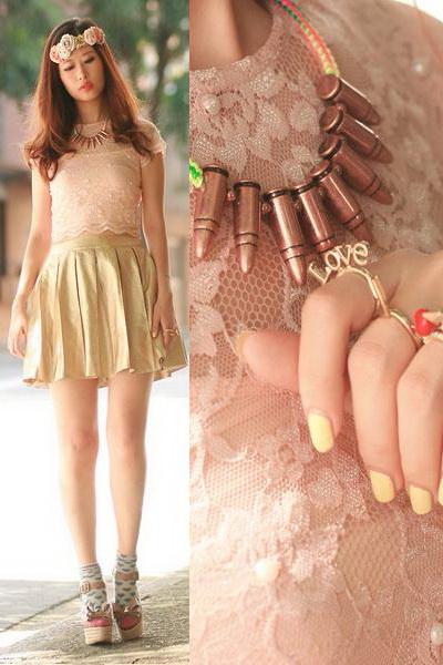 夏季金色裙装