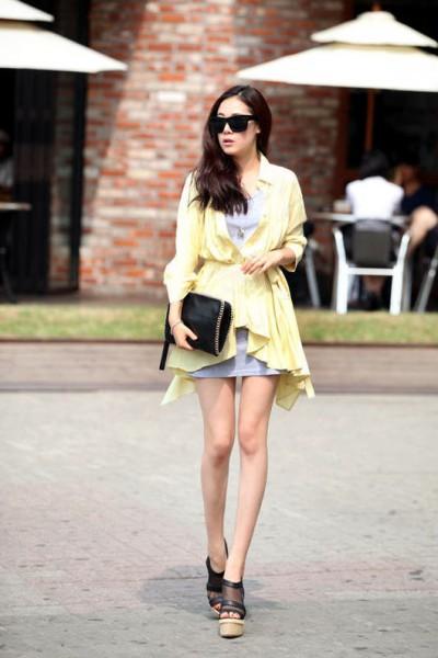 人气淡黄色风衣